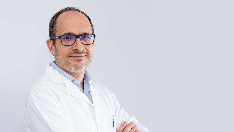 Médico oftalmólogo 1