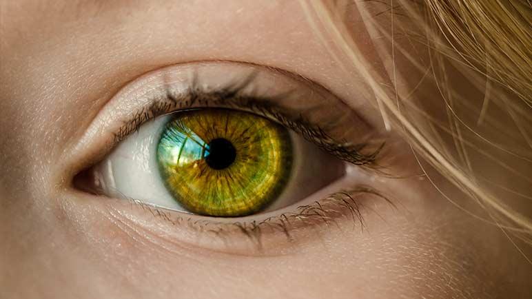 Tics en el párpado: Por qué te tiembla el ojo 1